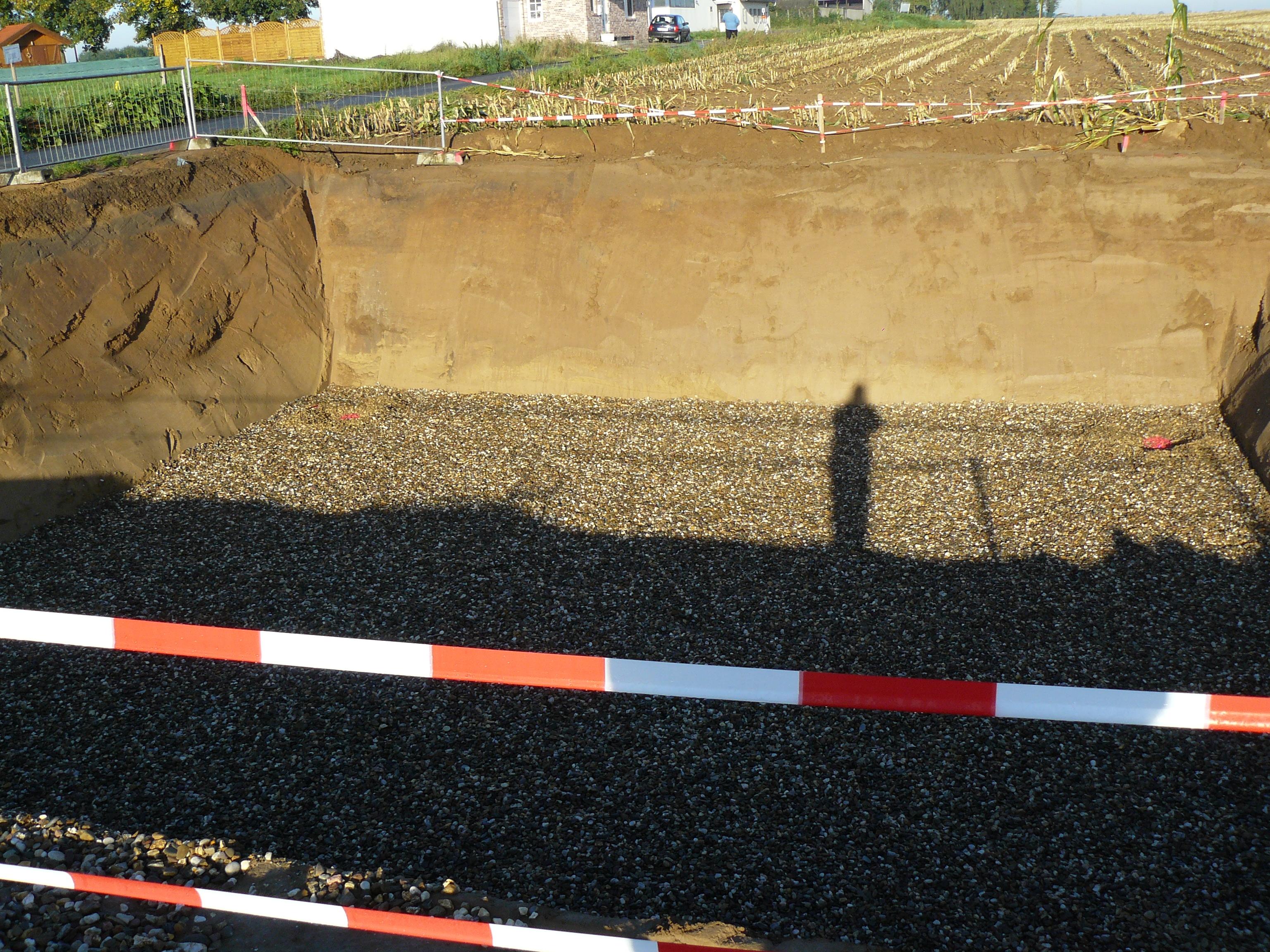 Mein Schatten in der Baugrube