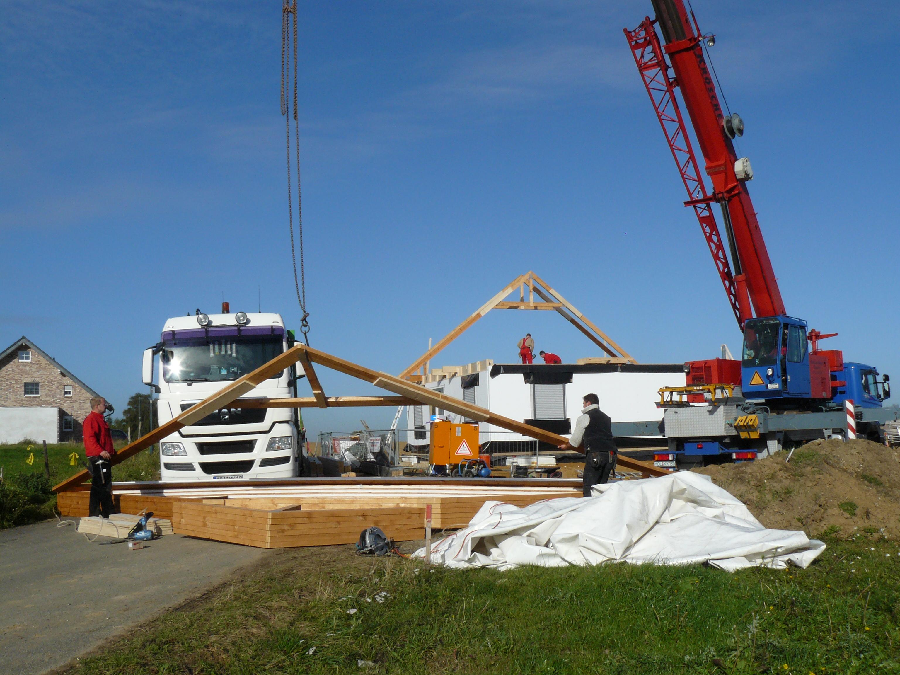 Dachkonstruktion wird vormontiert
