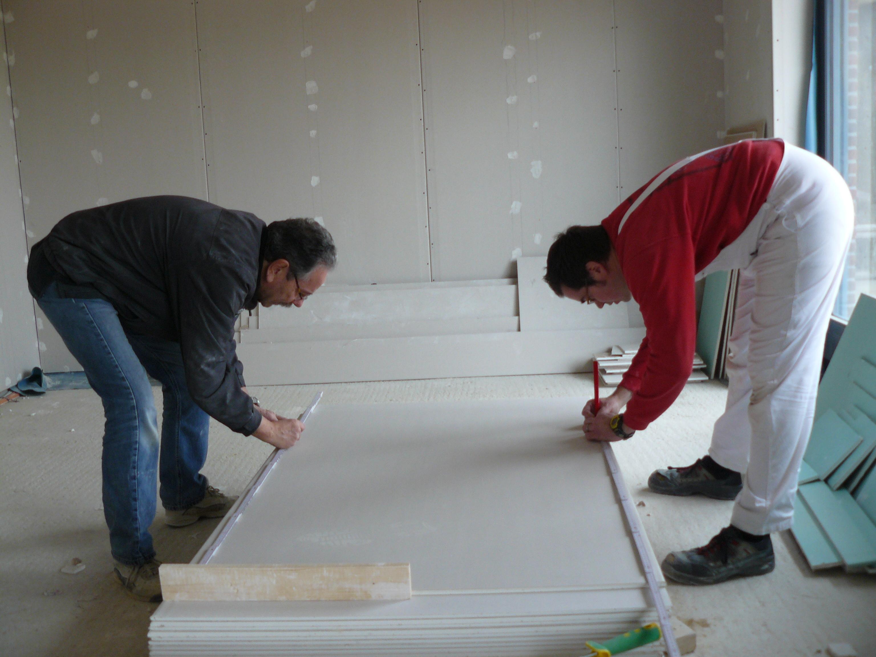 Rigipsdeckenplattenzuschnitt