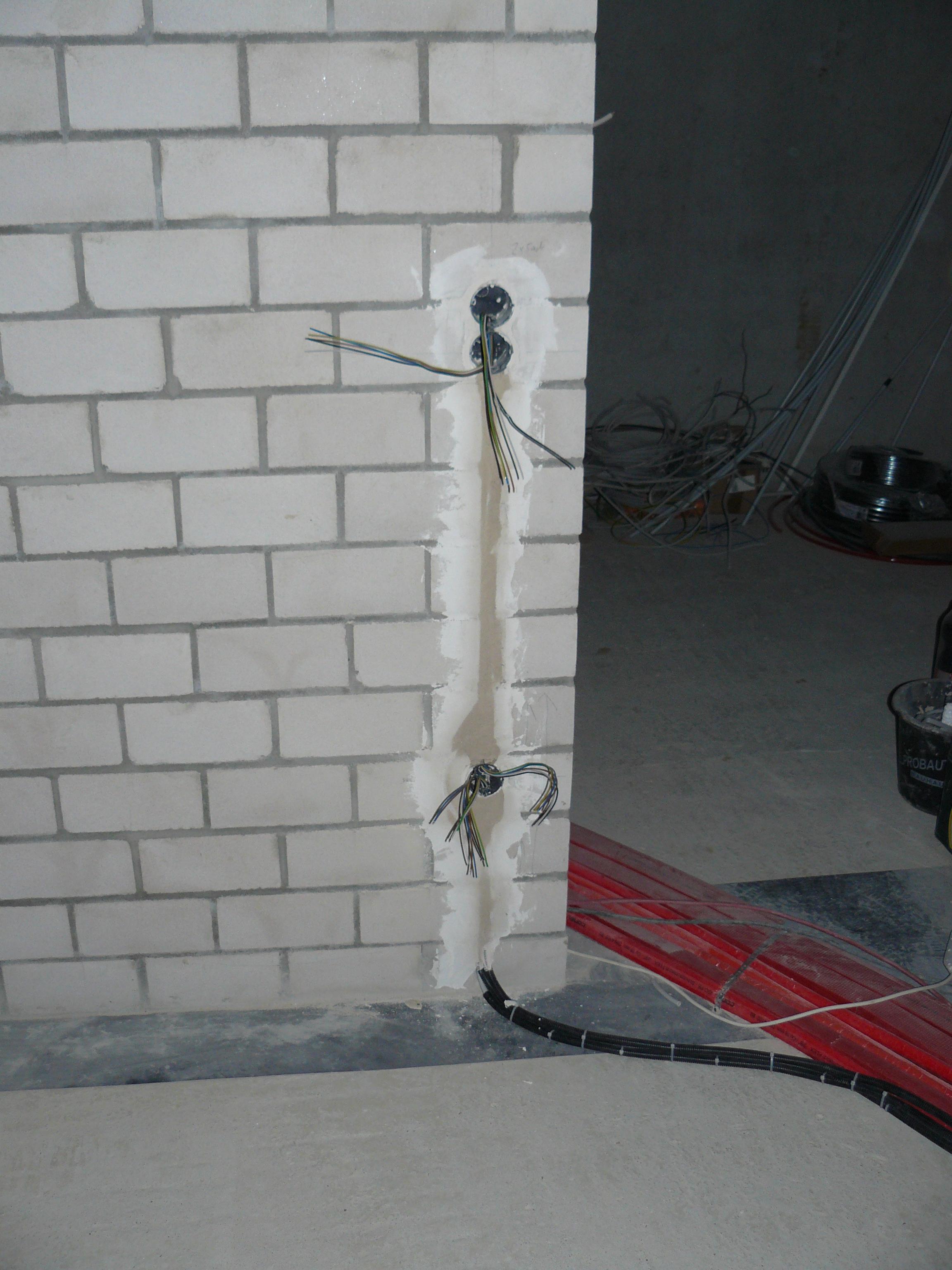 Wand zwischen Trockenraum und Flur