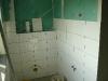 Toilette und Waschbeckenseite