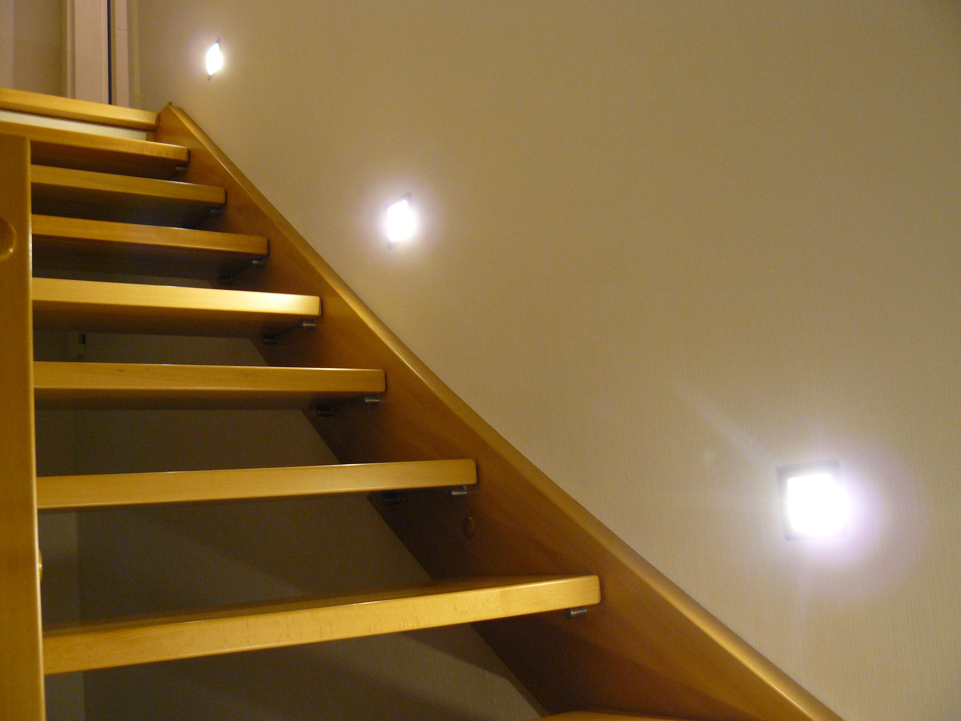 bautagebuch fronhoven treppe beleuchtet. Black Bedroom Furniture Sets. Home Design Ideas
