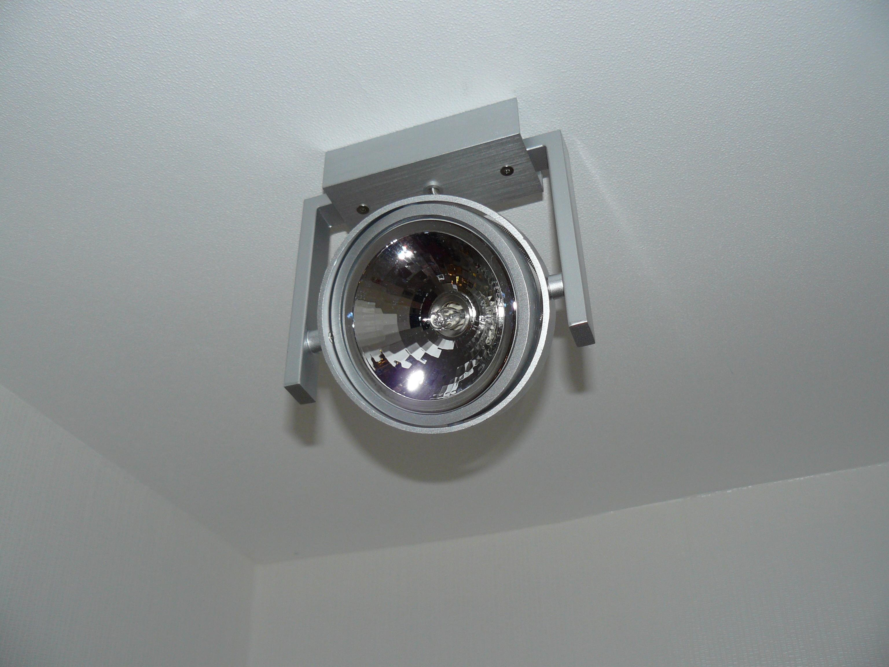 Lampe Flur OG (Vorderseite)