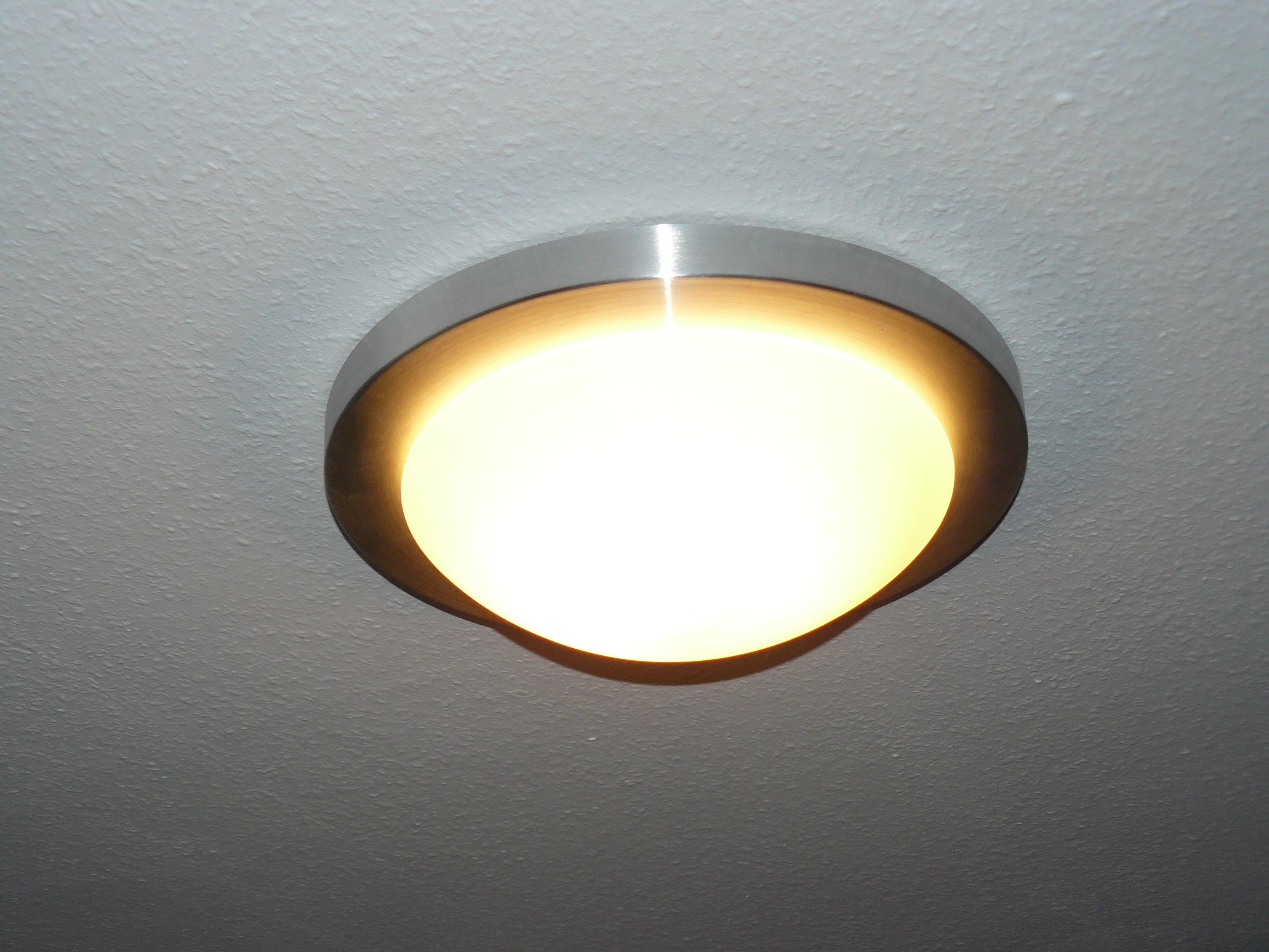 Lampe Abstellraum (beleuchtet)